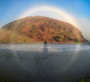 360 degree fogbow. Photo by Brocken Inaglory (CC-BY-SA 3.0).